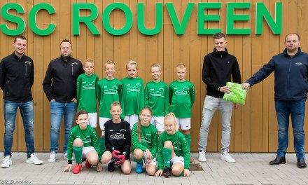 Autobedrijf Hengsteboer sponsort jeugdteam SC Rouveen