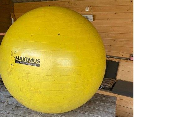 Grote gele bal gevonden (Update)