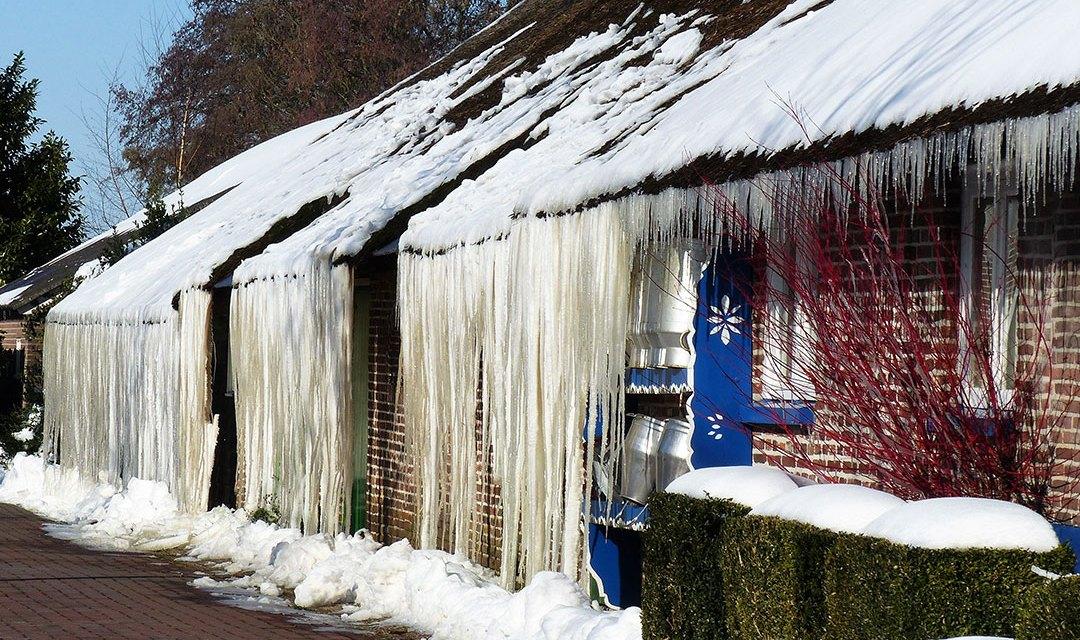 Meterslange ijspegels an Diek