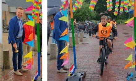 Kinderen doen praktisch fietsexamen