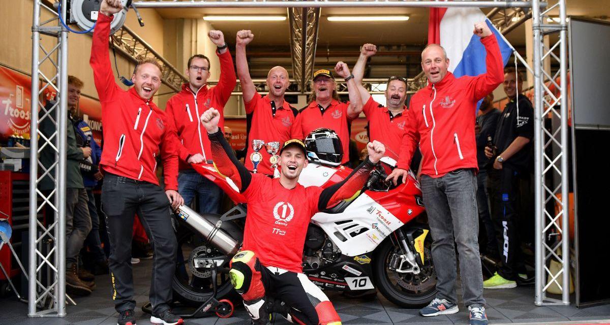 Danny van der Sluis pakt Dutch Superbike titel na sensationele ontknoping in Assen