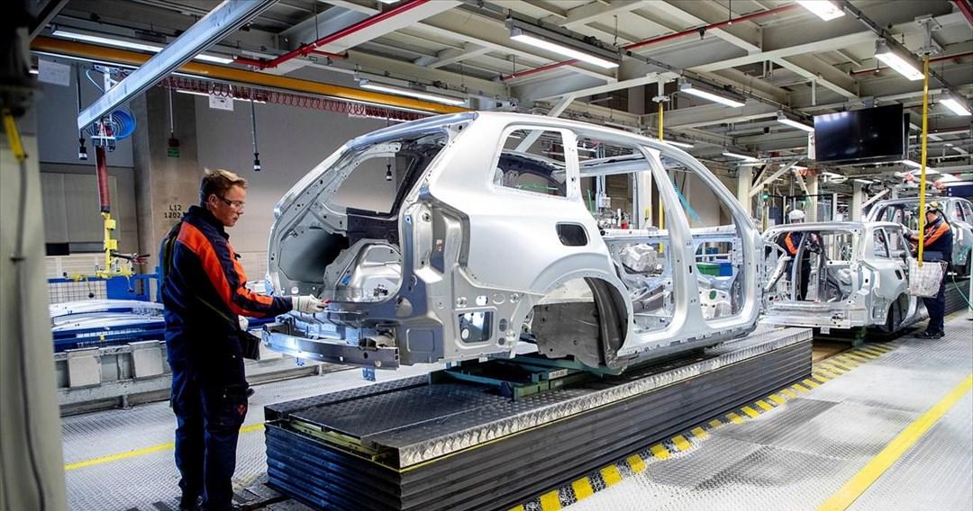 Επανεκκίνηση της παραγωγής σχεδιάζει η αυτοκινητοβιομηχανία