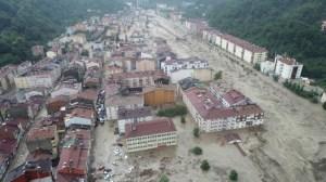 Нови жертви на наводнения в Турция