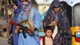 Талибаните превзеха и важен граничен пункт между Афганистан и Пакистан.