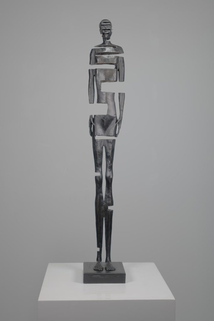 Johannes Nielsen, Same Body Different Day #5, bronzo, 75 x 12 x 12 cm