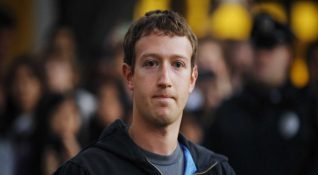 Yatırımcı gruplar Mark Zuckerberg'i istifaya çağırıyor