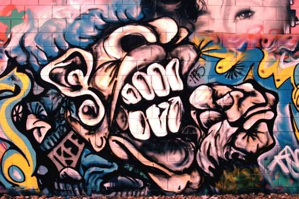 2304 × 1536 Graffiti Wall Painting abstract