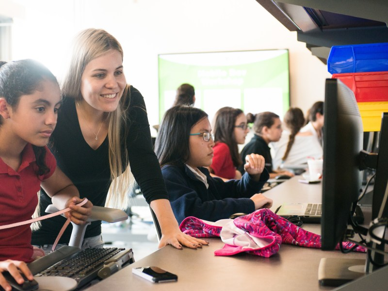 Girls who Code at FIU SCIS club photo