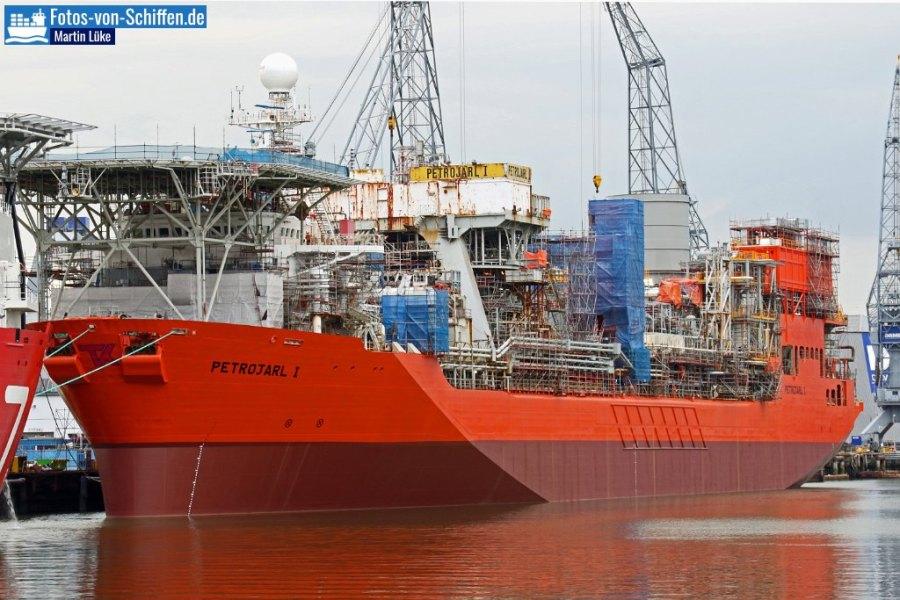 Die Petrojarl 1 ist ein Produktions- und Lagerschiff im Bereich Erdöl. Das Schiff ist 215m lang und 32m breit und wurde 1986 erbaut.
