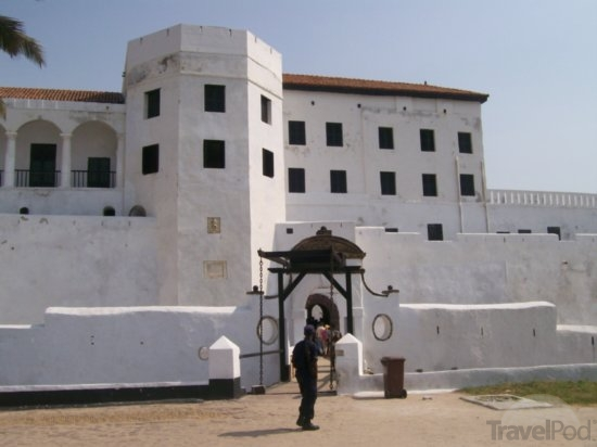elmina castle front view