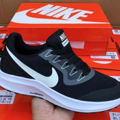 Nike Zoom Female Sneaker