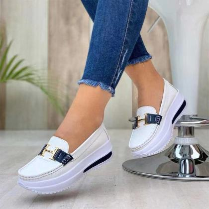 Smart Female Shoe Sneaker with letter H