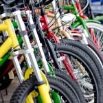 自転車が風で倒れて車に傷が付いた場合の損害賠償はどうなる?