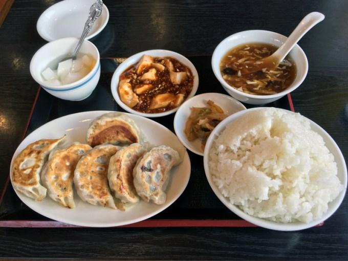 小平駅北口香港屋の餃子定食