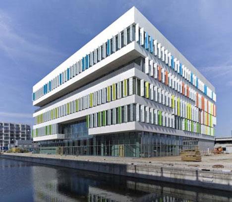 15 Cool High School College Amp University Building Designs