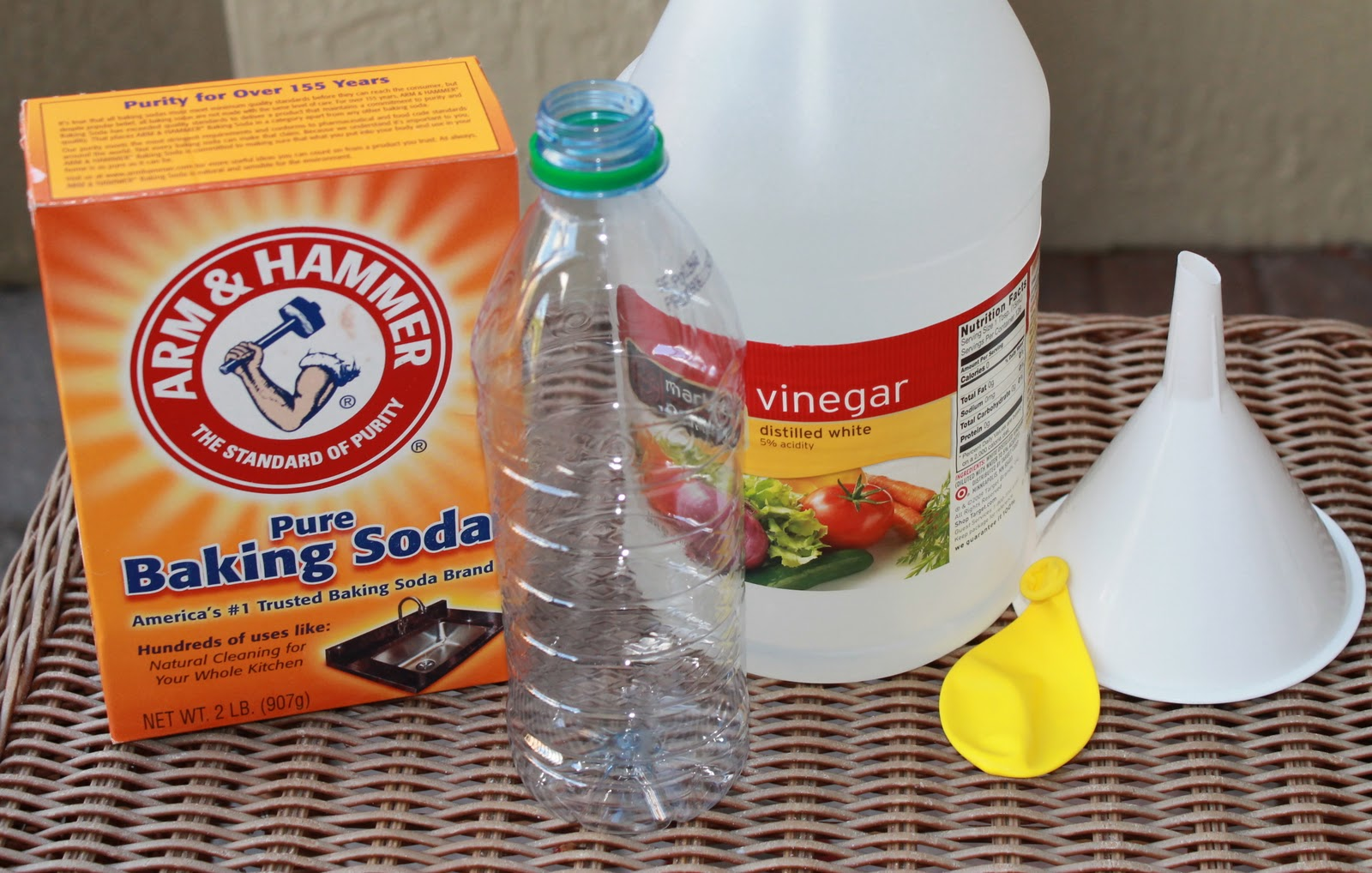 How To Inflate A Balloon With Vinegar And Baking Soda