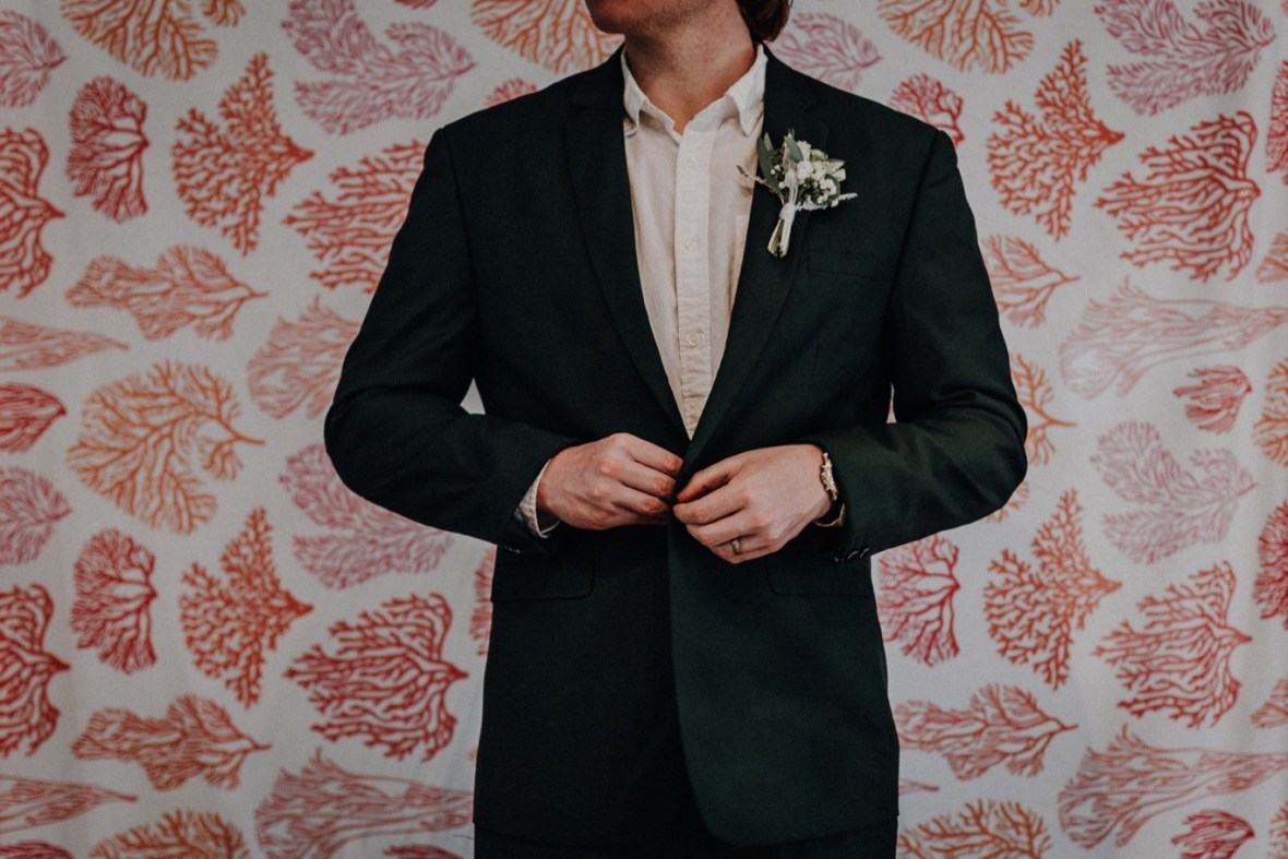16_IMG_7571a_Coral_Kentucky_Living_Louisville_Reef_Wedding