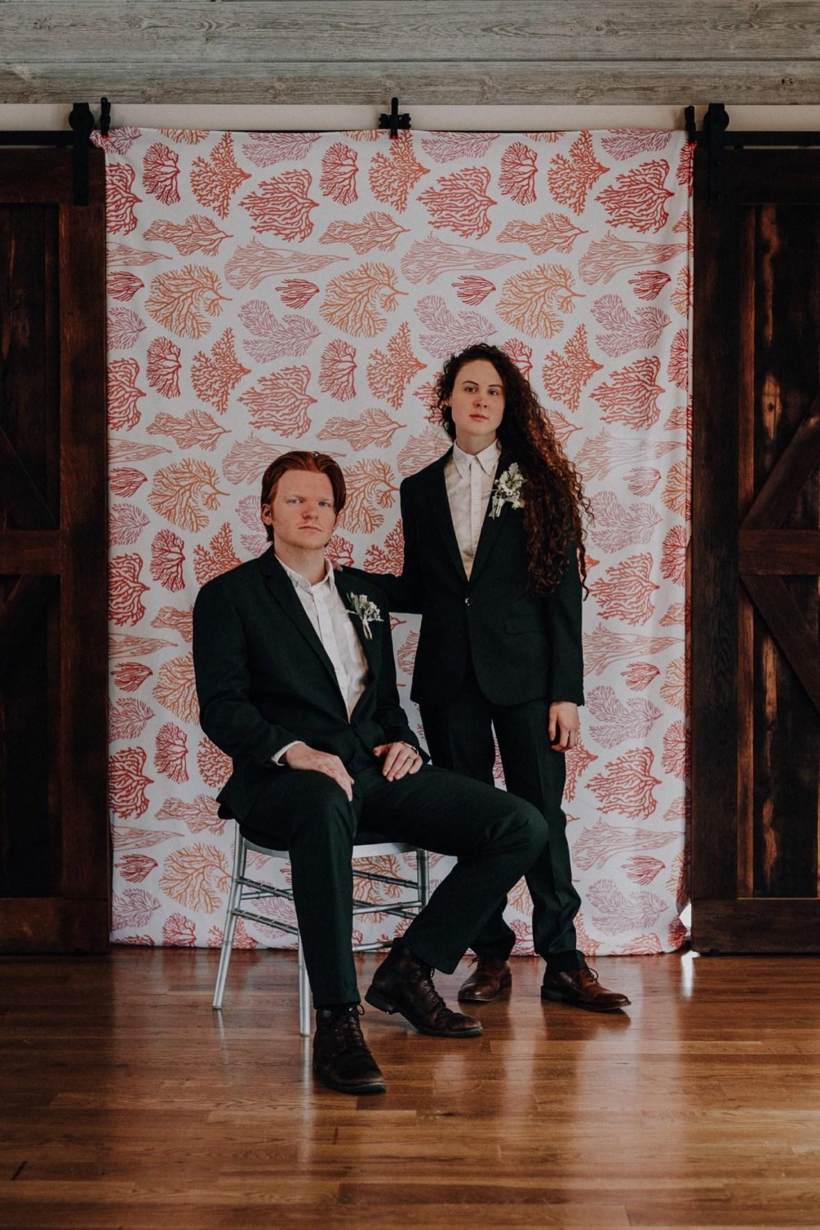 37_IMG_7782a_Living_Louisville_Hunter_Reef_Kentucky_Wedding_Green_Coral_Suit