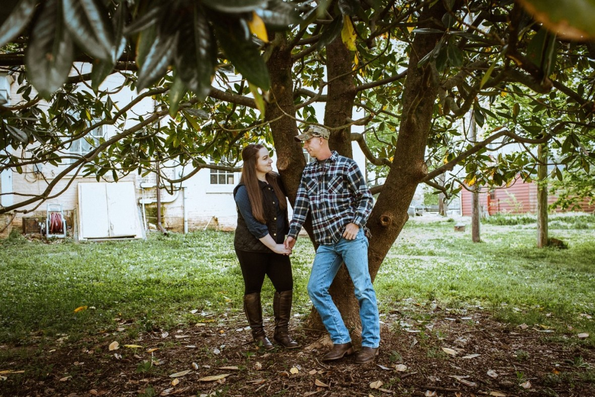 01_WCTM8475ab_Kentucky_Engagement_Blackacre_Louisville_Photos_Farm