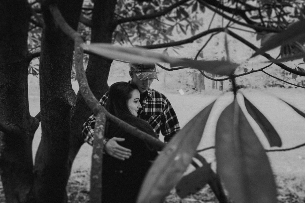03_WCTM8469abwb_Kentucky_Engagement_Blackacre_Louisville_Photos_Farm