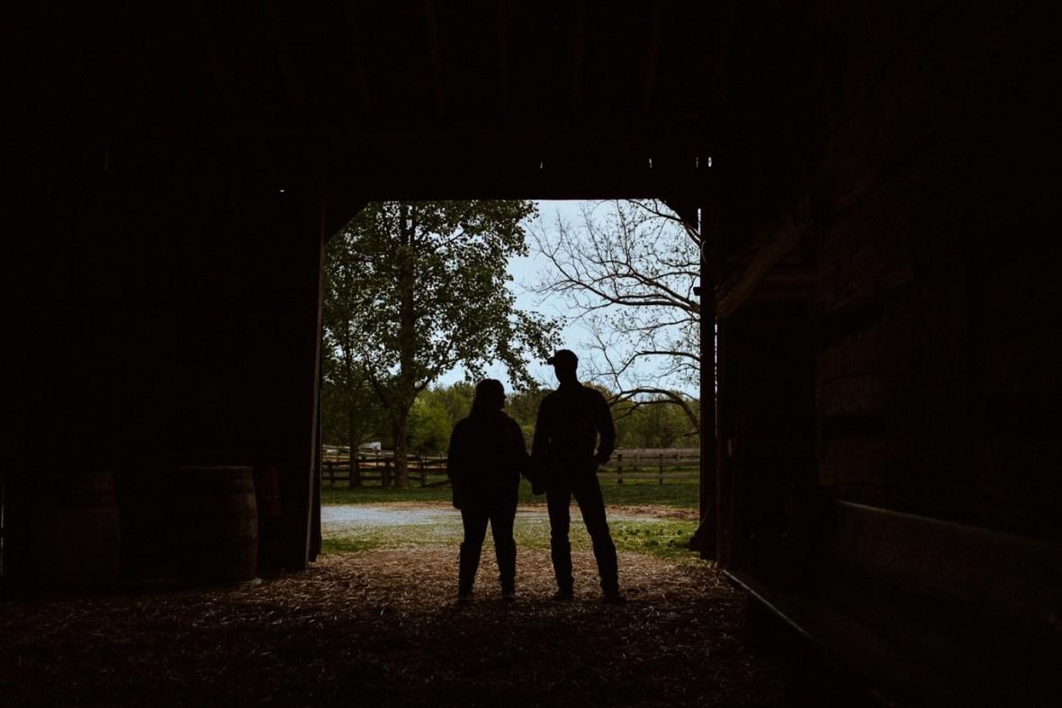 15_WCTM8629ab_Kentucky_Engagement_Blackacre_Louisville_Photos_Farm