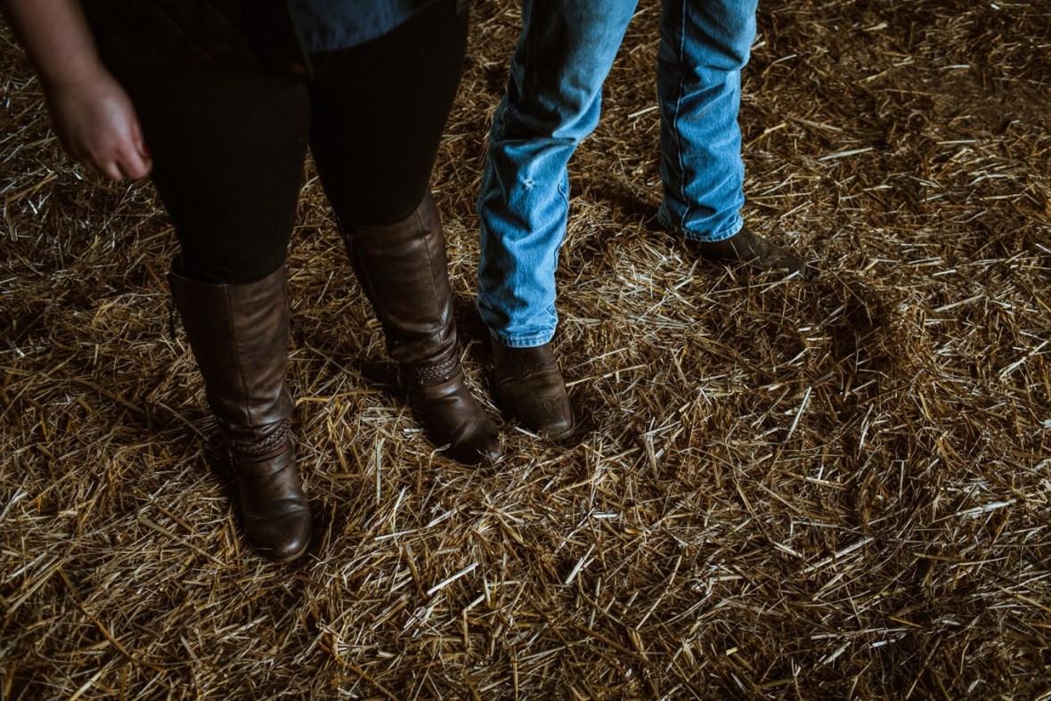 17_WCTM8599ab_Kentucky_Engagement_Blackacre_Louisville_Photos_Farm
