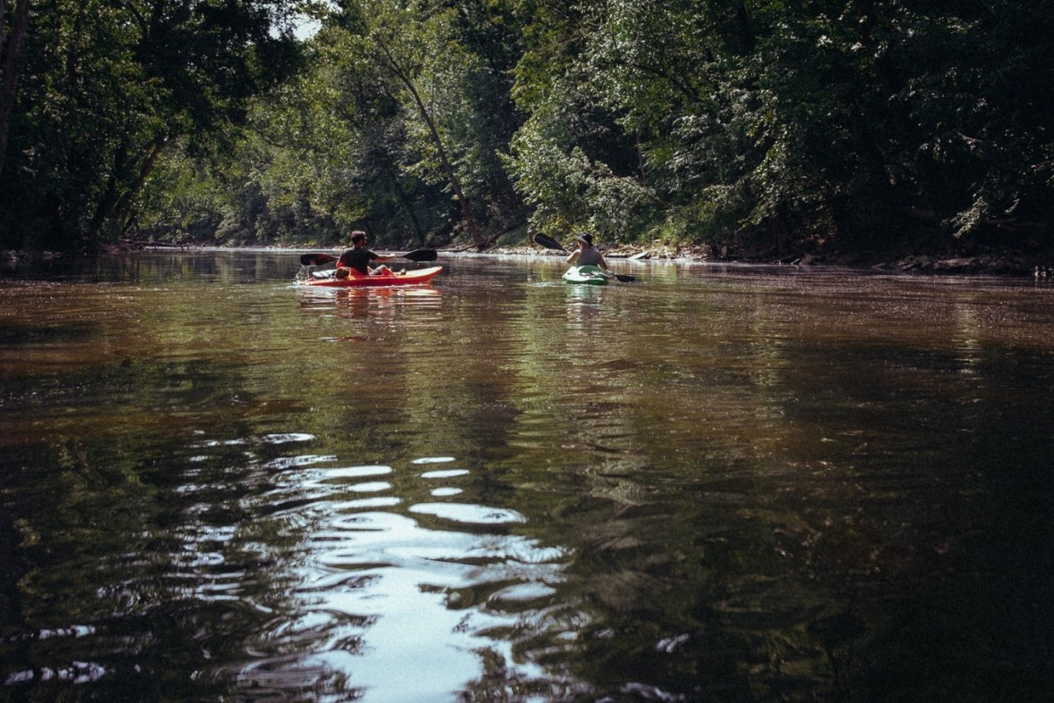 10_WCTM1315ab_Photos_Engagement_Canoes_Southern_Indiana_River_Blue_Country_Cave_Kayaking