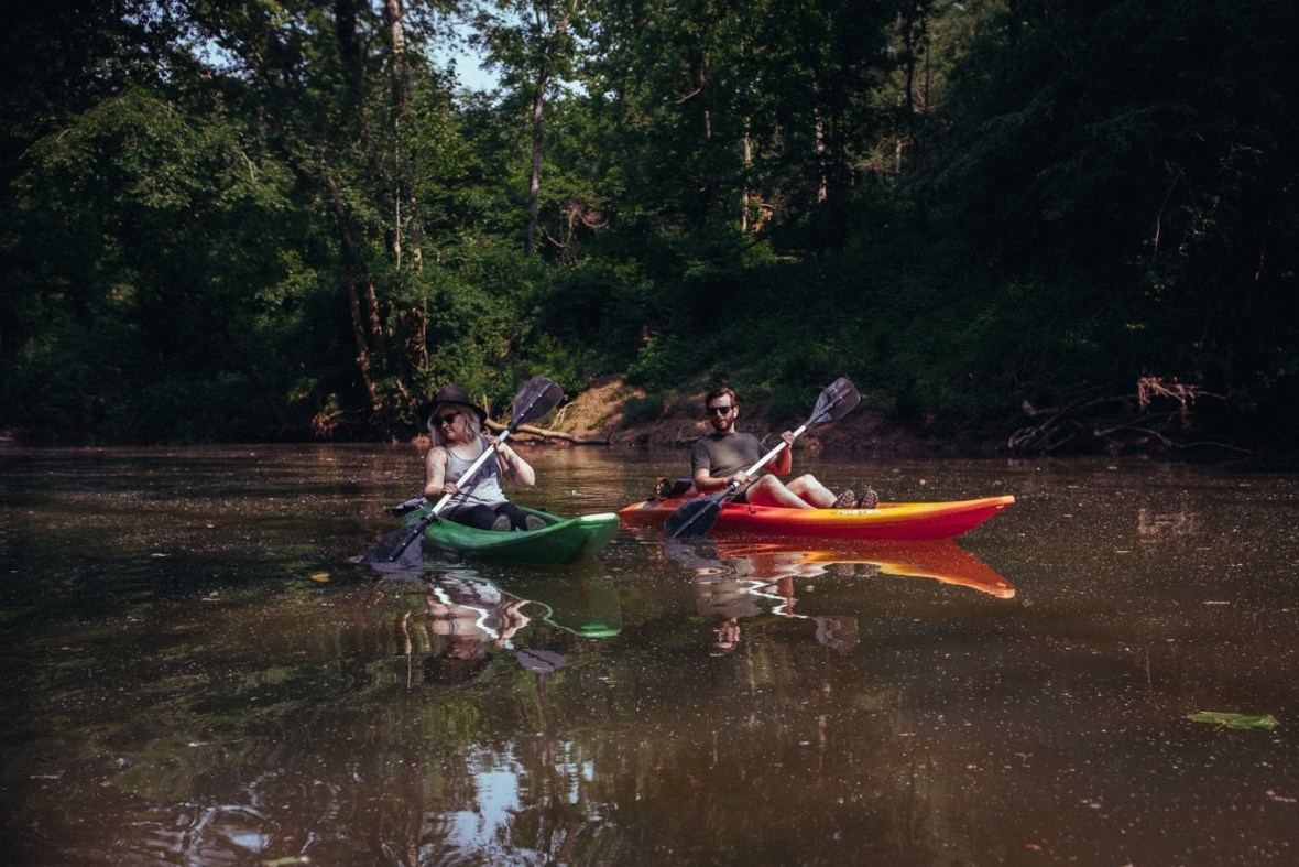 23_WCTM1349ab_Photos_Engagement_Canoes_Southern_Indiana_River_Blue_Country_Cave_Kayaking