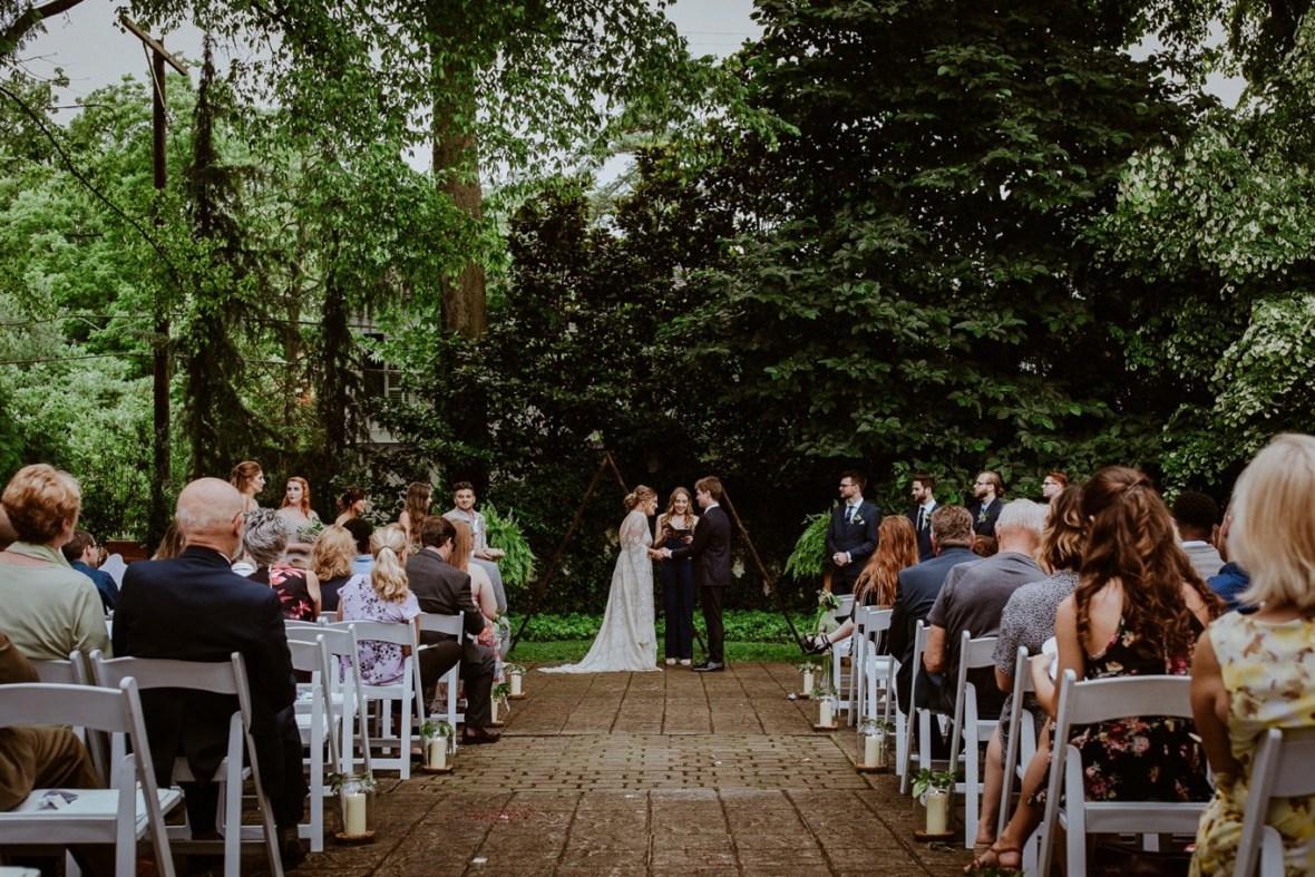 41_WCTM2242ab_Louisville_Summer_Kentucky_Wedding_Gardens_And_Whitehall_Mansion