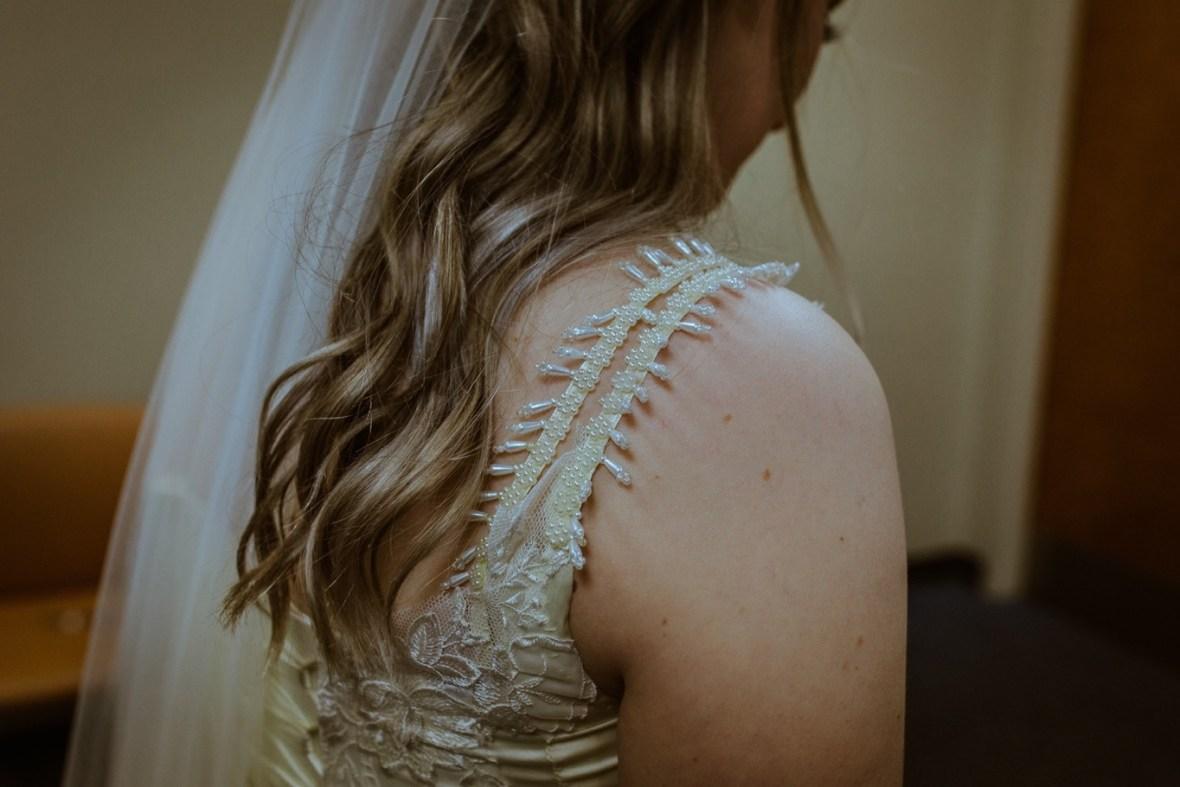 05_WCTM4313ab_Louisville_Summer_Reception_Club_Kentucky_Wedding_Catholic_Country_Woodhaven