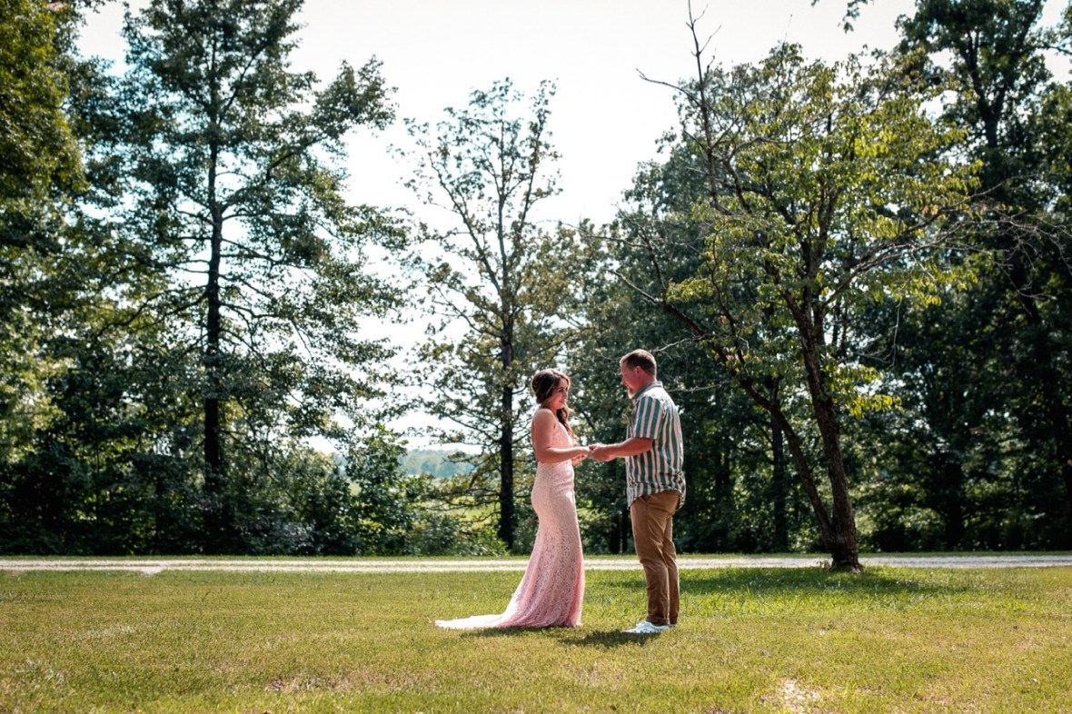 21_WCTM0669ab_County_Summer_outdoor_Woodsy_Kentucky_July_Meade_Wedding