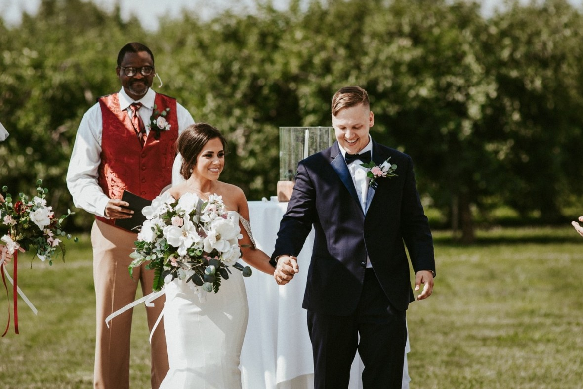 31_WTCM4796ab_Southern_Indiana_Summer_Winery_Wedding_Huber's_orchard_Vineyard