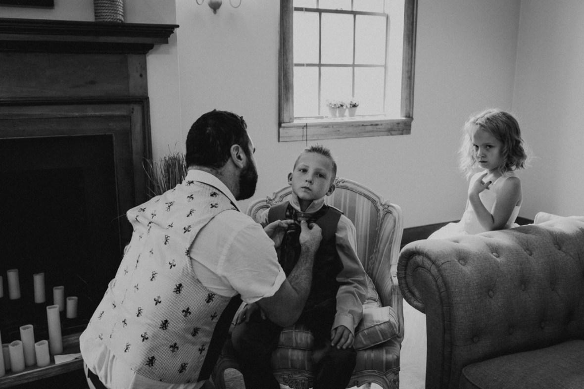 05_WCTM6308abwb_Versailles_Kentucky_Themed_Galerie_Summer_Wedding
