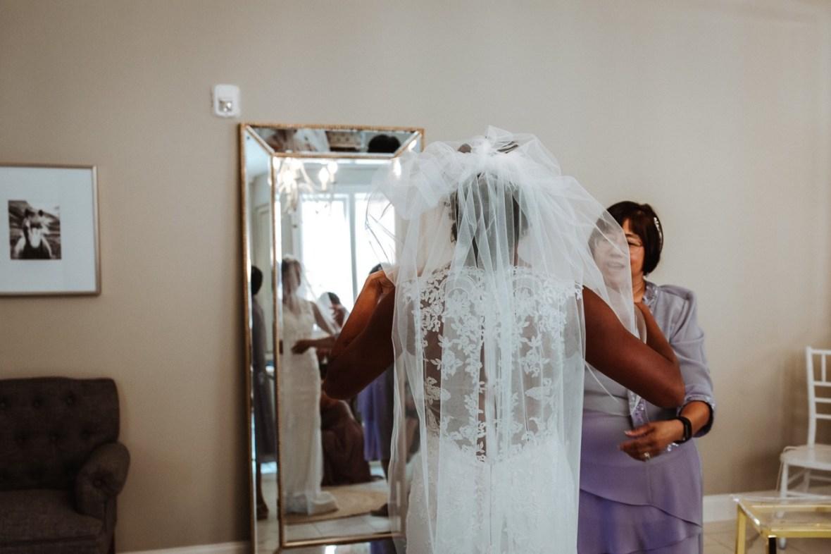 16_WCTM6497ab_Versailles_Kentucky_Themed_Galerie_Summer_Wedding