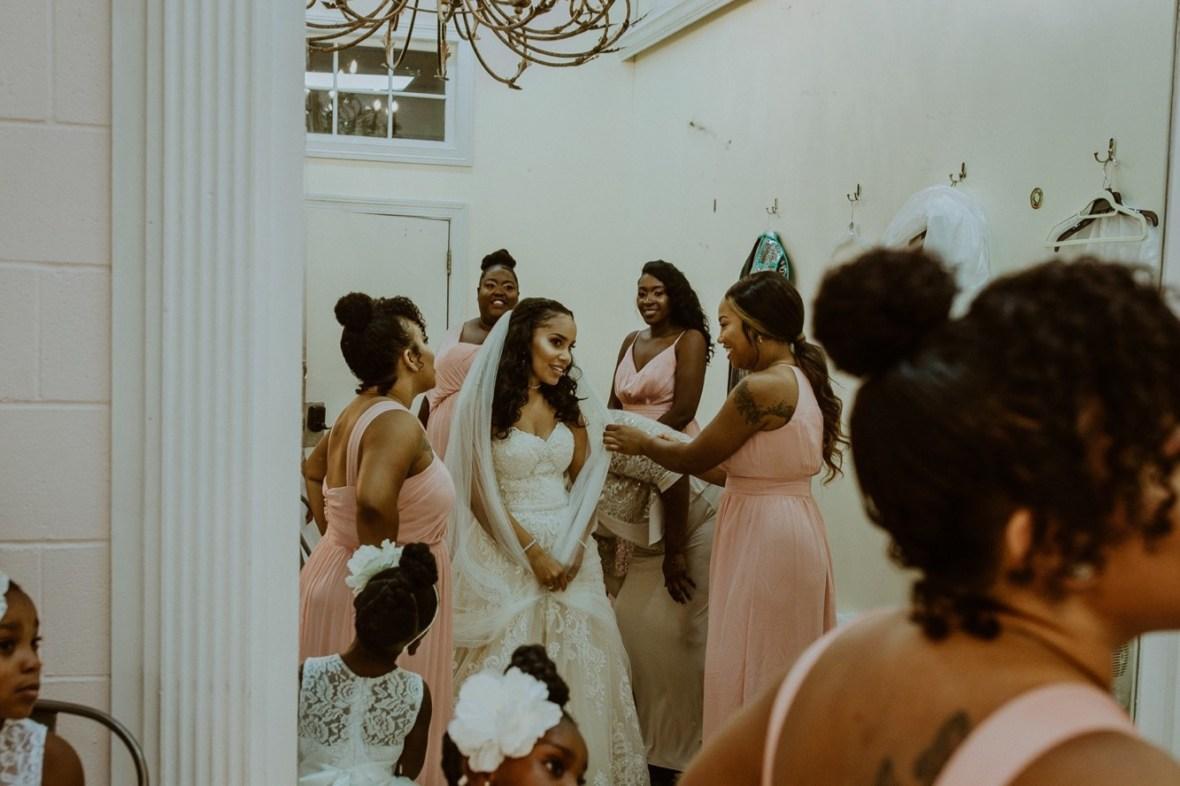 25_WCTM2484ab_Center_omni_Hotel_Summer_Louisville_Wedding_Art_Kentucky_Mellwood