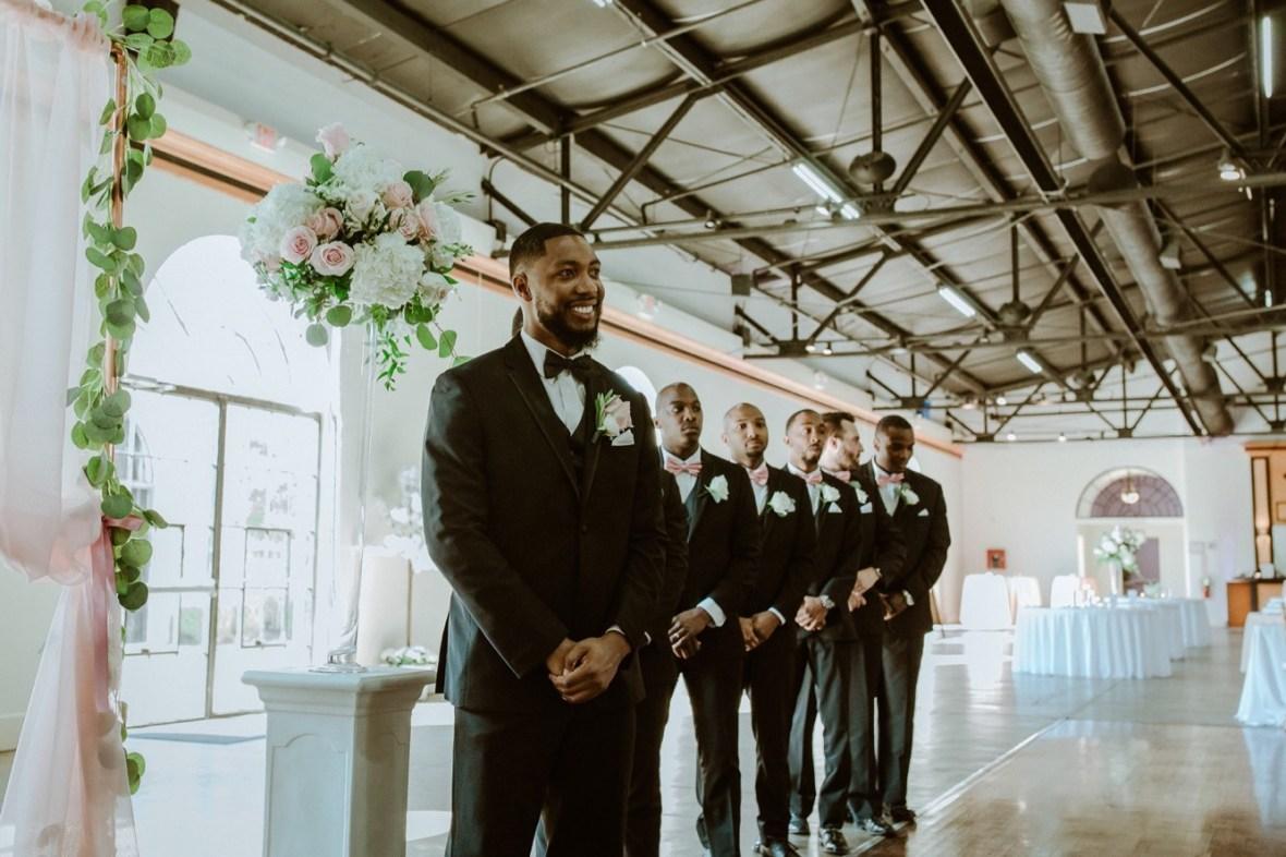 29_WCTM2599ab_Center_omni_Hotel_Summer_Louisville_Wedding_Art_Kentucky_Mellwood