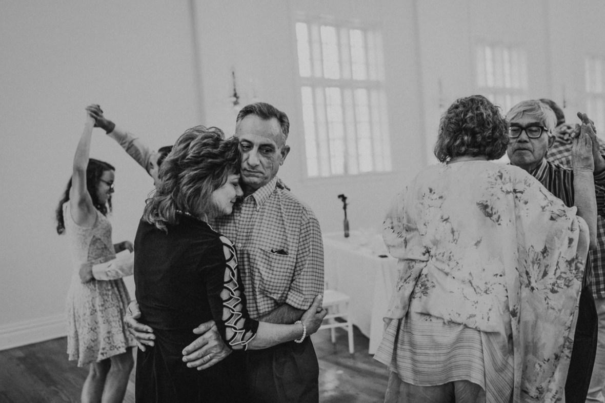 77_WCTM7527abwb_Versailles_Kentucky_Themed_Galerie_Summer_Wedding