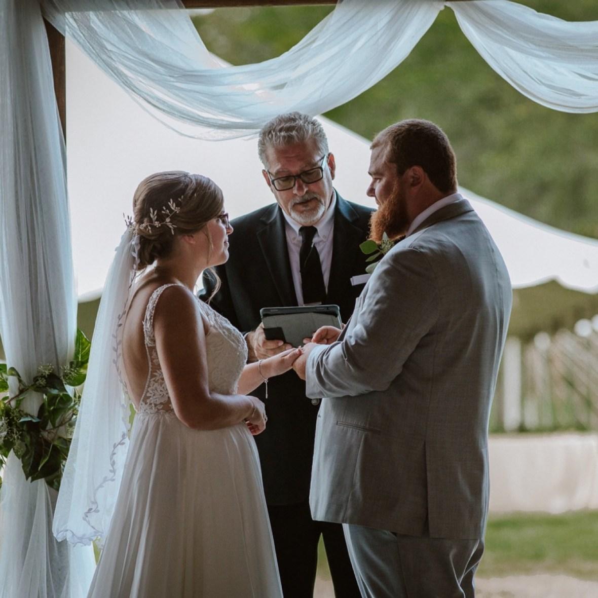 34_C011ab_Barn_Indoor_Shelbyville_Kentucky_Summer_Wedding
