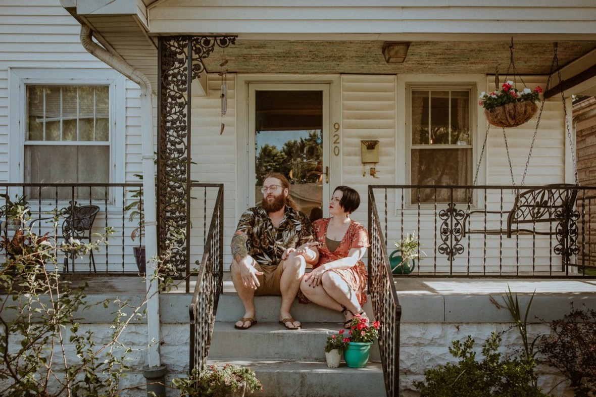 50_WCTM9408ab_In_Louisville_Session_Kentucky_Home_With_Couples_Cats