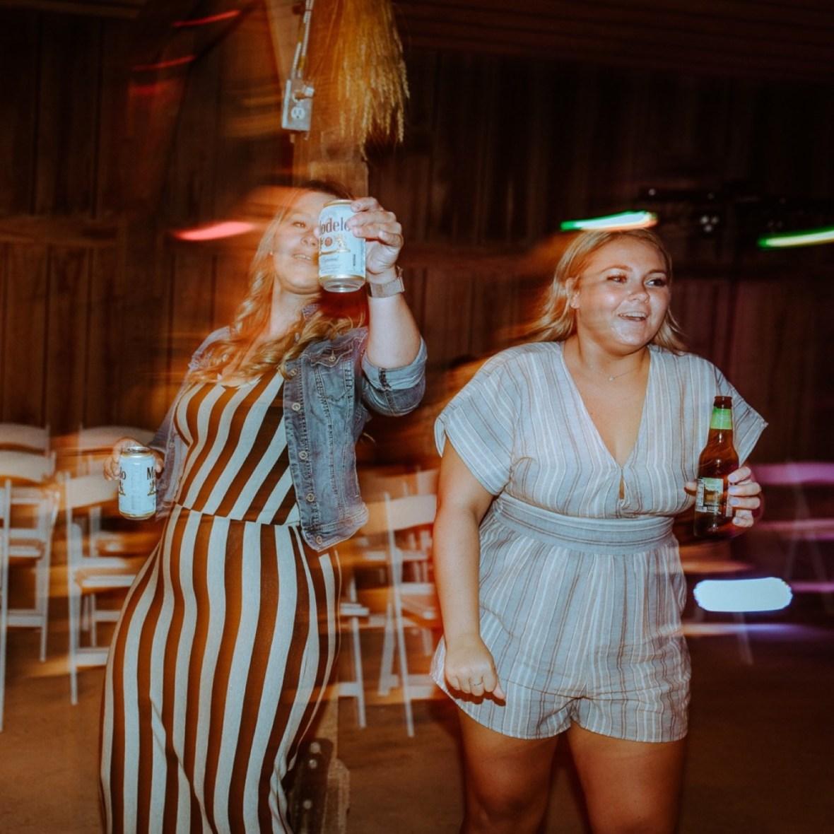 80_r153ab_Barn_Indoor_Shelbyville_Kentucky_Summer_Wedding
