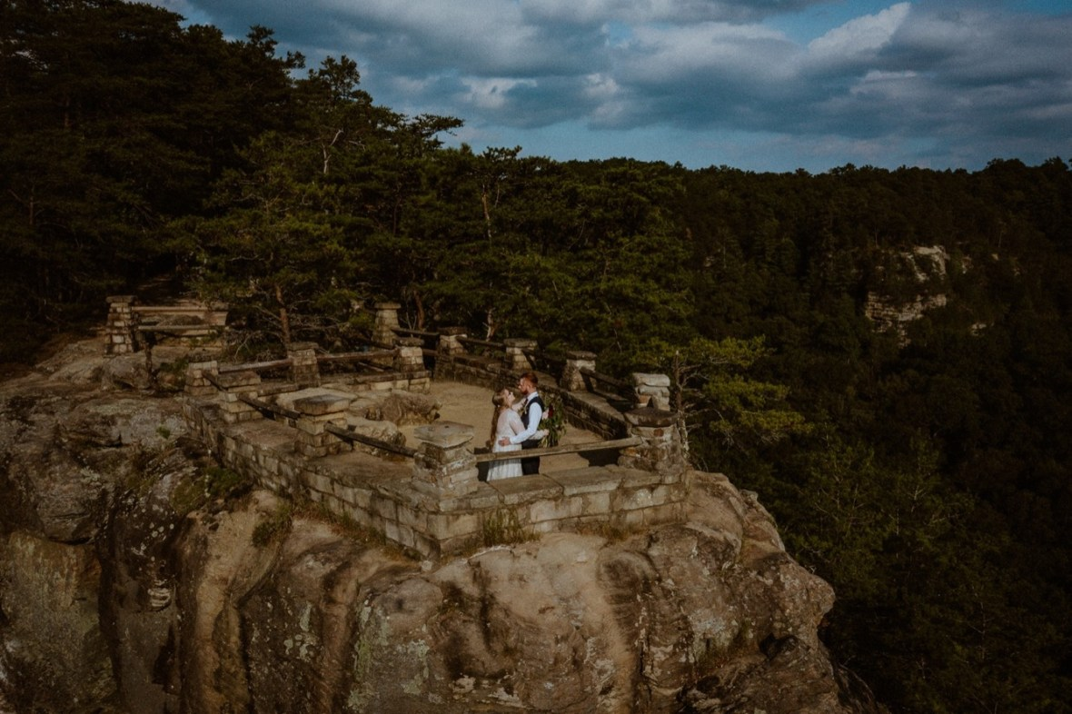 18_DJI_0590ab_Red_Wedding_River_At_Small_Chimney_Top_Gorge_Rock