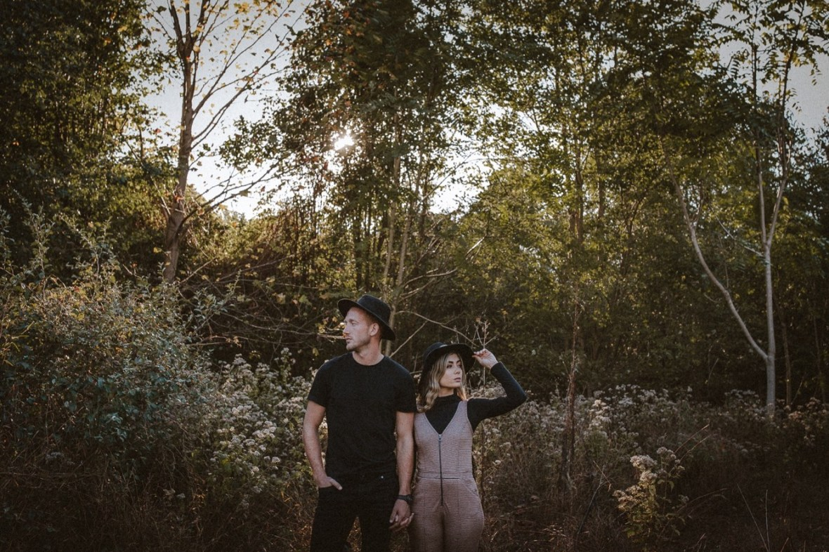 26_WCTM5749ab_Indoor_Louisville_Session_Fall_Kentucky_Pumpkins_Smoke_With_Bombs_Pug_Couples