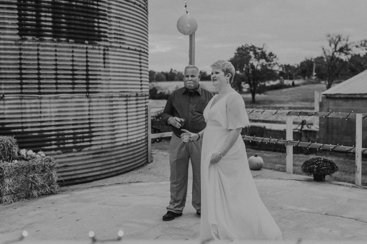 43_WCTM6561abwb_Rustic_Indiana_Southern_october_Wedding_Corydon_Falling