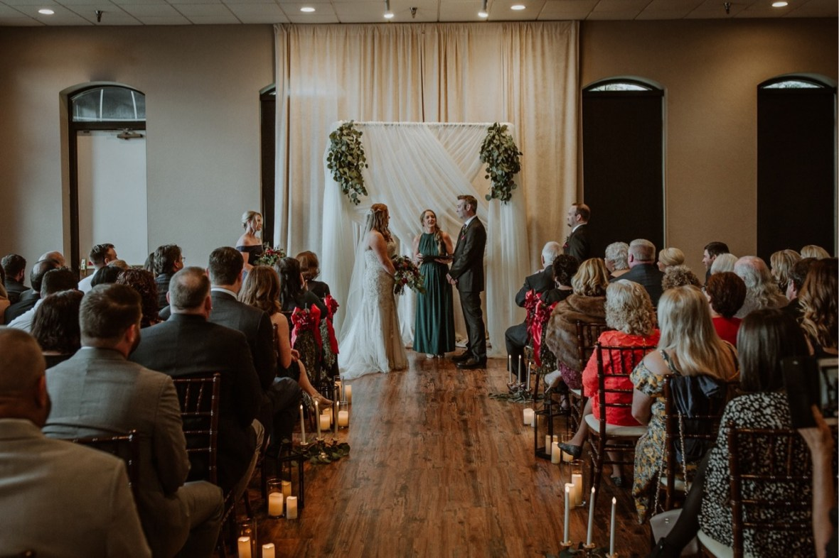 16_WCTM0077ab_Indiana_Fall_The_Jeffersonville_Wedding_Refinery_Late
