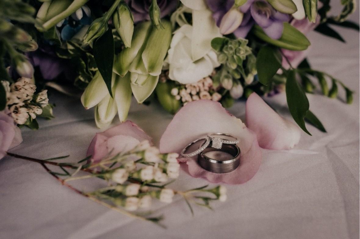 38_WCTM1035ab_oldham_Rustic_Summer_County_Kentucky_Wedding_Grange_La_Crestwood