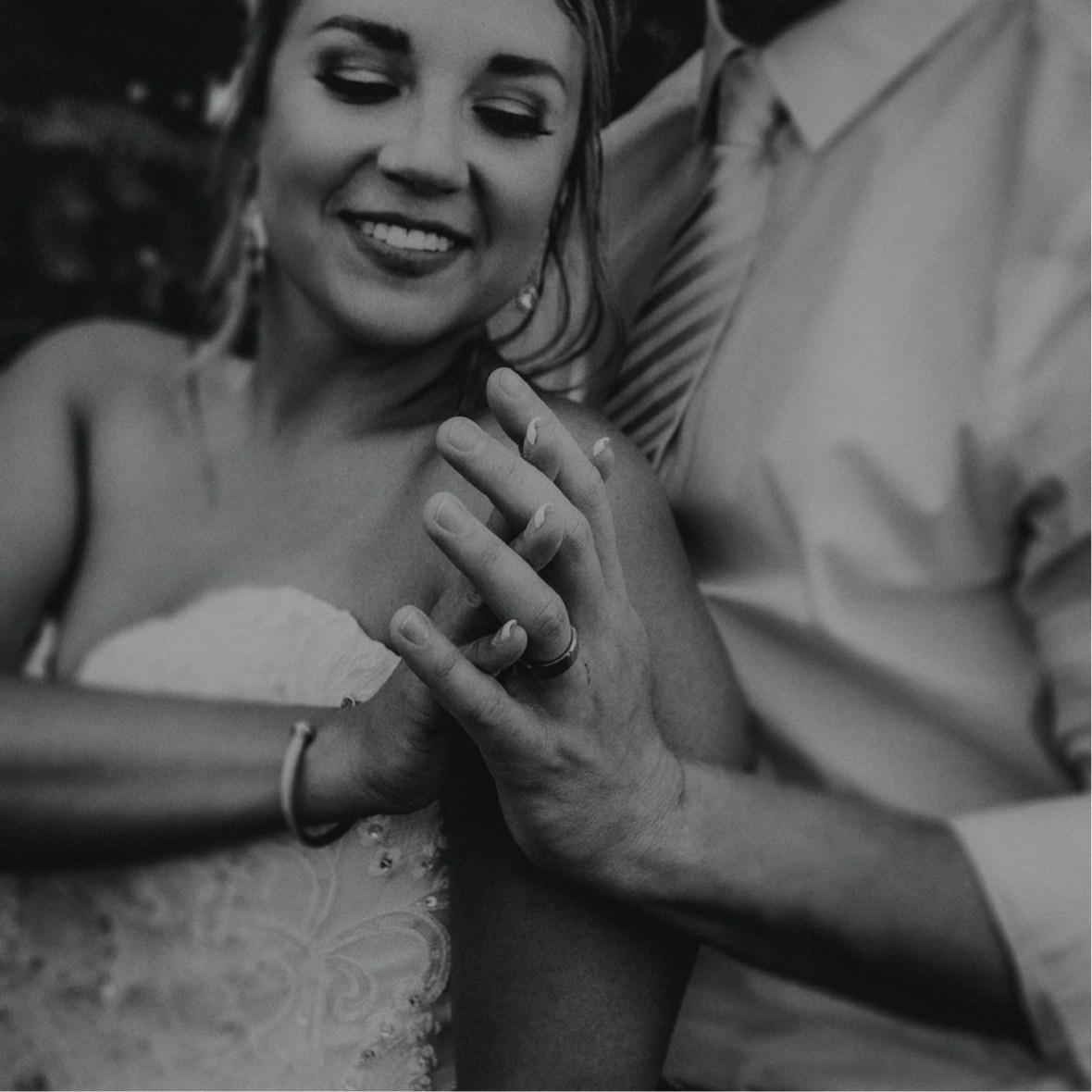 43_WCTM0588-Editabwb_oldham_Rustic_Summer_County_Kentucky_Wedding_Grange_La_Crestwood