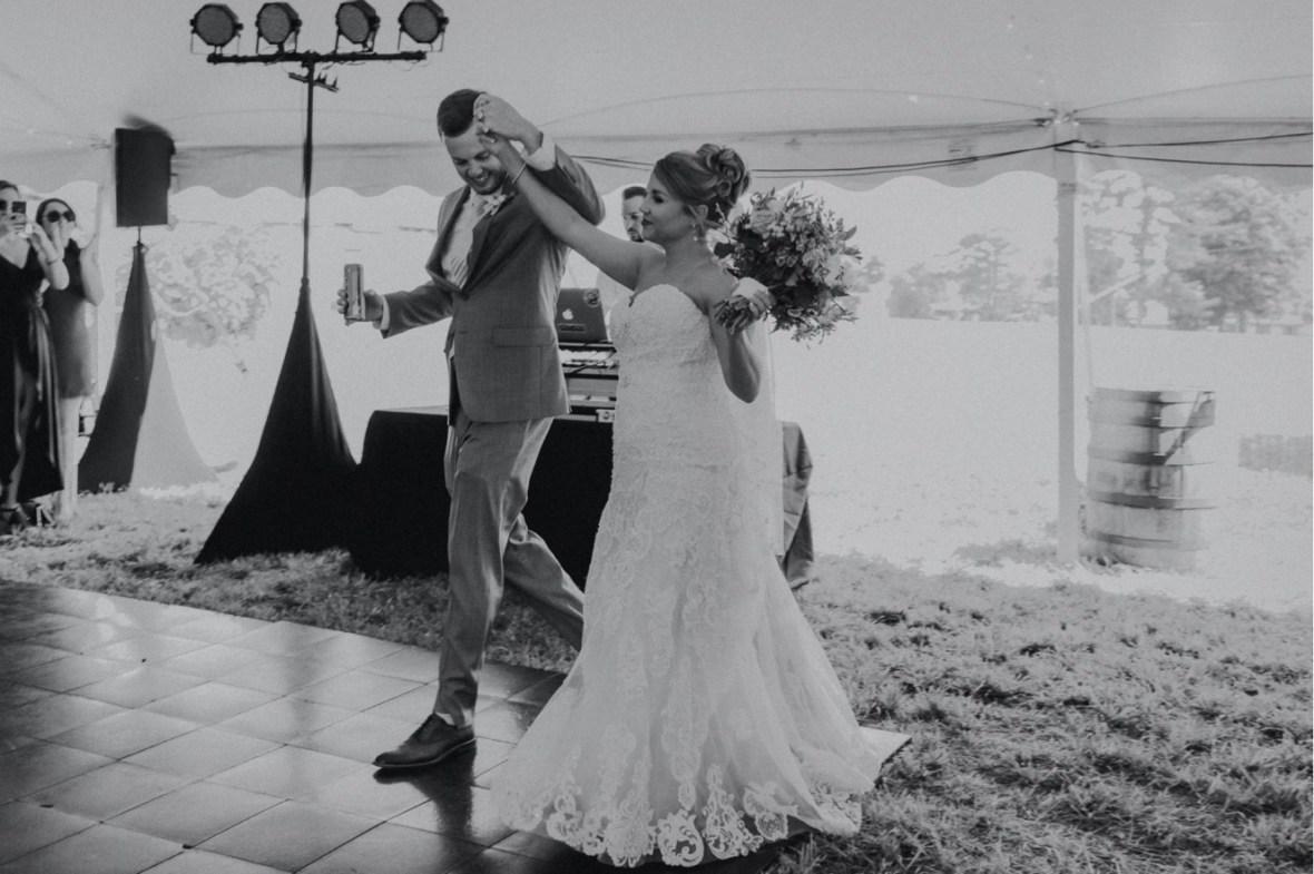 46_WCTM0498abwb_oldham_Rustic_Summer_County_Kentucky_Wedding_Grange_La_Crestwood