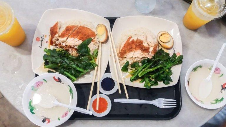 Comida asiatica en Telok Ayer Hawker Centre - Singapur