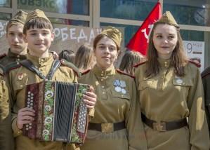 Гармонист Саша Пикалов и школа №53