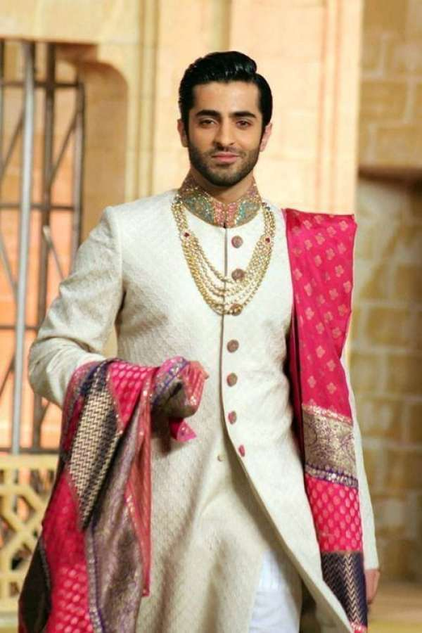 02fde617c408a Groom Tips: 5 Must Have Accessories For Indian Grooms